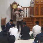 Bhabinkamtimas Polsek Sinjai Timur Sampaikan Pesan Kamtibmas di Mesjid Darul Mawardah