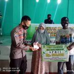 Kanit Binmas Polsek Sinjai Timur Kawal Penyaluran BLT-DD Tahap IV, Imbau Warga Patuhi Prokes