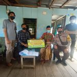 Bhabinkamtibmas Polsek Sinjai Barat Dampingi Penyaluran BLT-DD di Desa Bontosalama